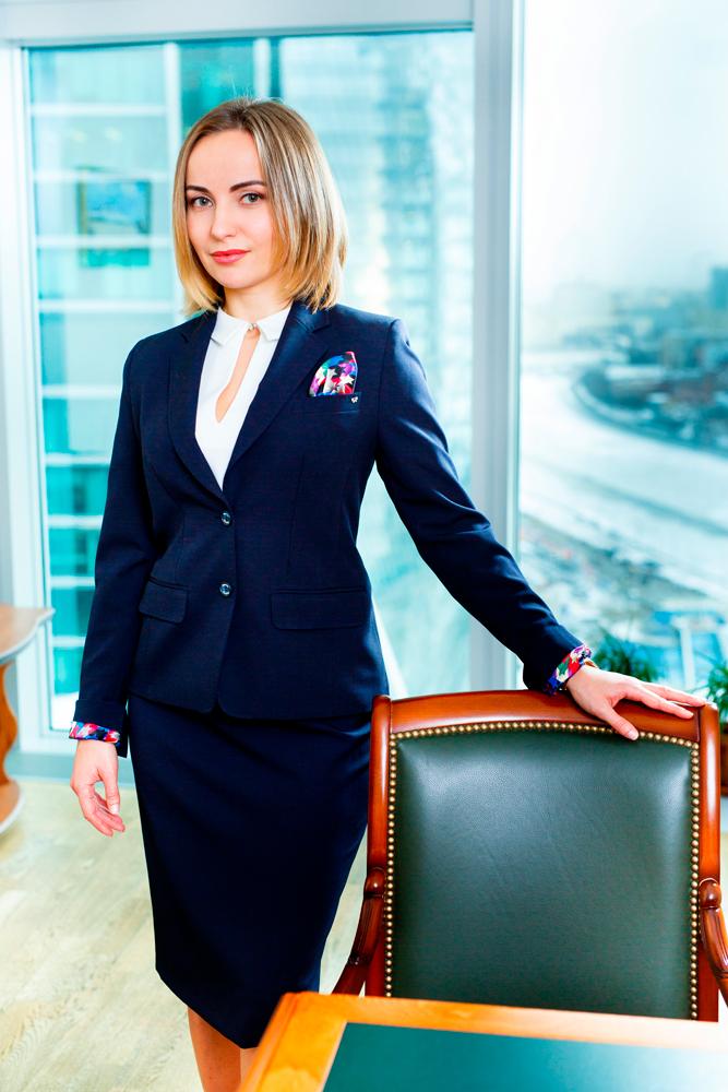 истоптанная фото бизнес леди москвы тогда такие мелочи