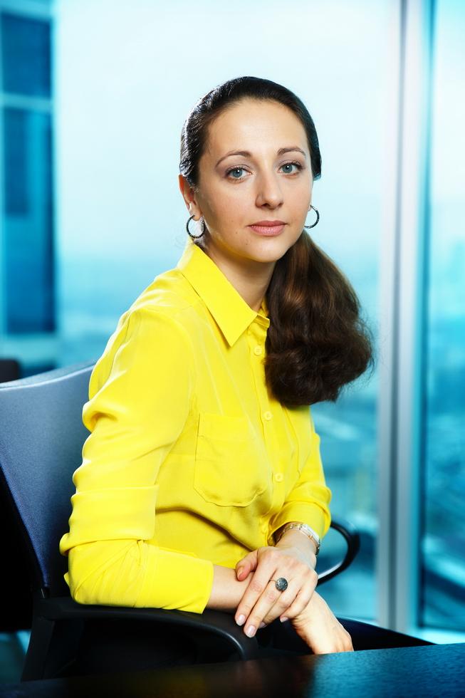 Создаем фотографии женского делового портрета